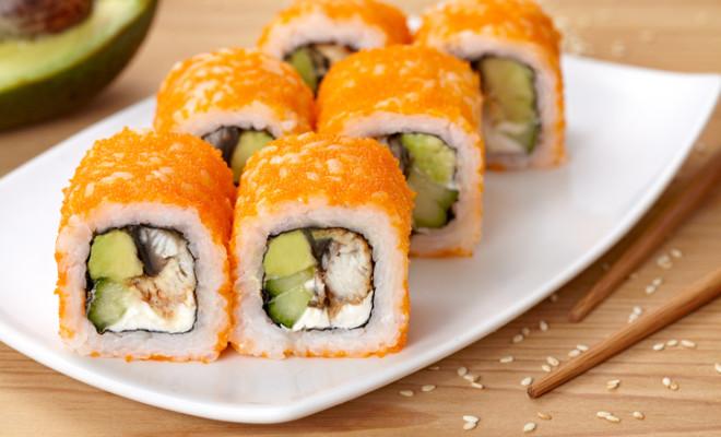 Resep Sushi Roll With Tuna Fish Avocado And Cheese Smartmama